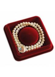 Naszyjnik z pereł z medalionem - zdjęcie dewocjonaliów